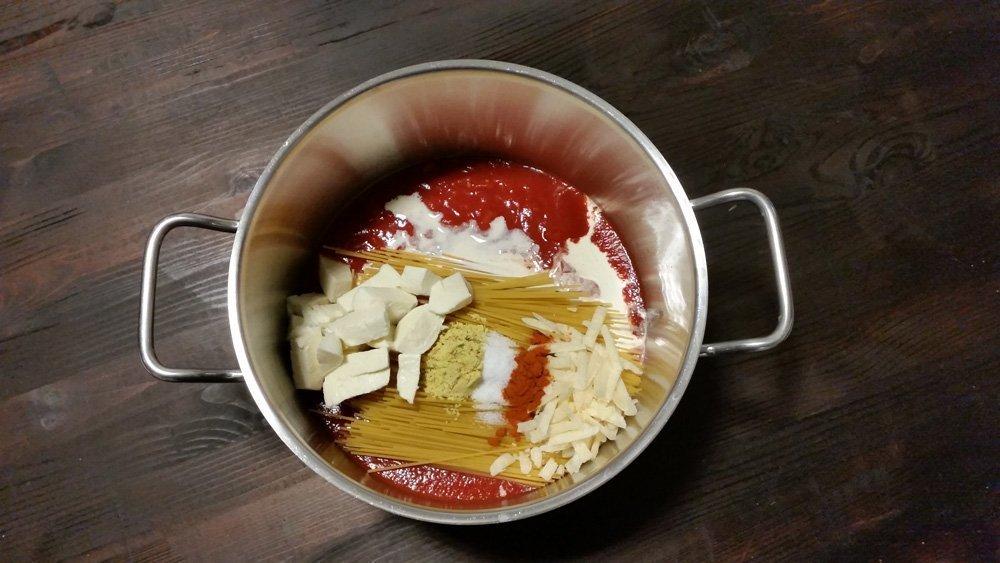Spaghetti mit Tomaten-Käse-Soße - One Pot 2