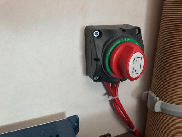 Wohnwagen / Wohnmobil - Akku bzw. Batterie abklemmen oder angeschlossen lassen 2