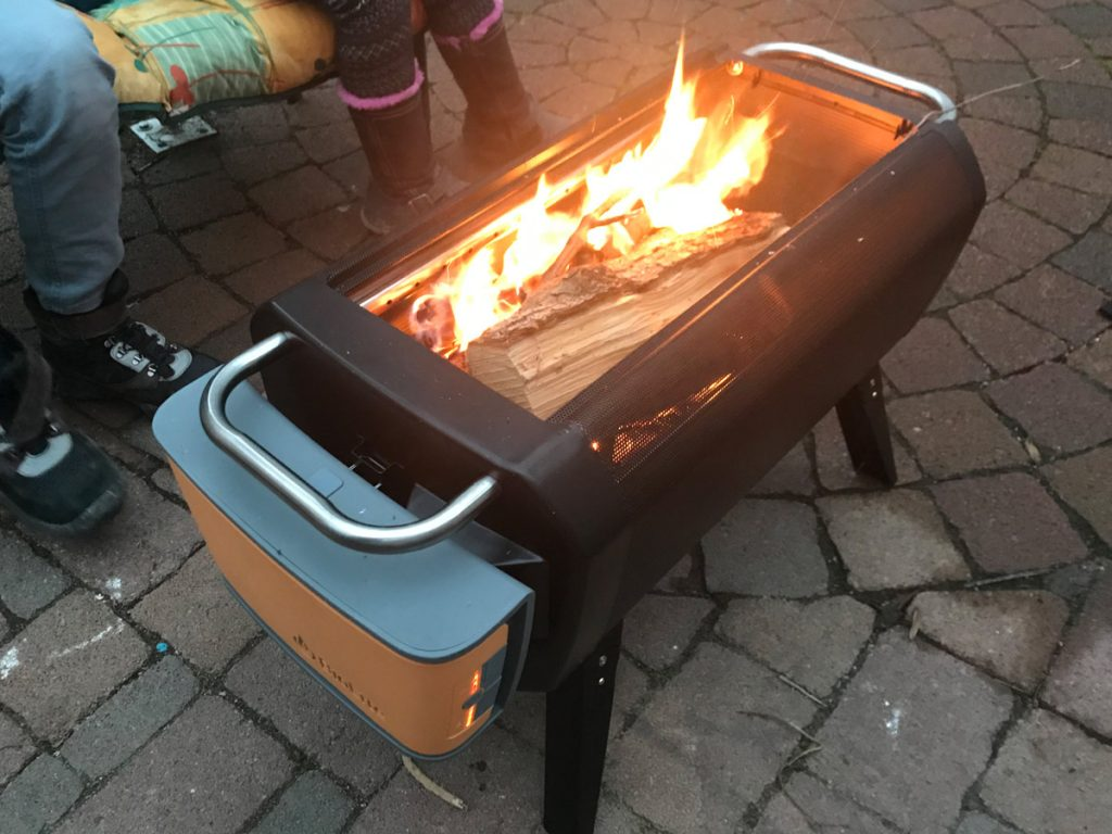 Biolite Firepit - Der etwas andere Holz- und Kohle-Grill 8